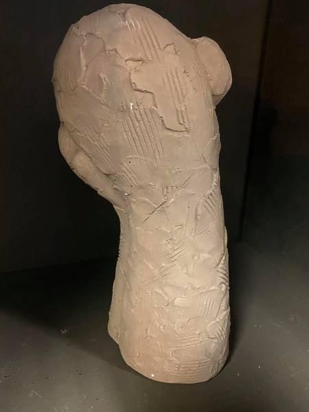 Skulpturer i leire, 30 cm